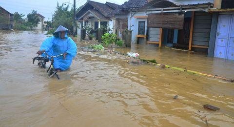 26158-banjir-kudus